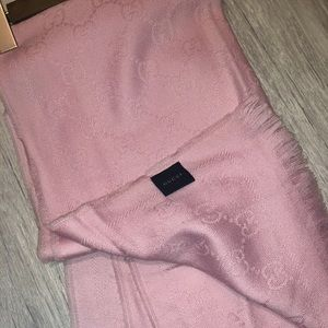 Gucci GG Jacquard Scarf in baby pink 💕